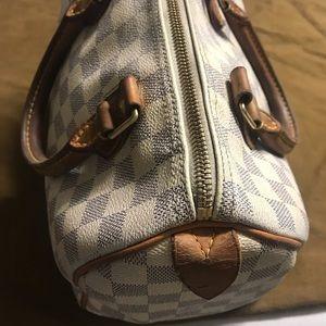 Authentic Louis Vuitton speedy 25 hand bag